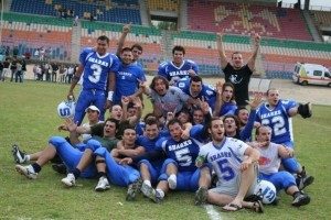 Post vittoria nel derby contro i Corsari Palermo in IFL nel 2008.